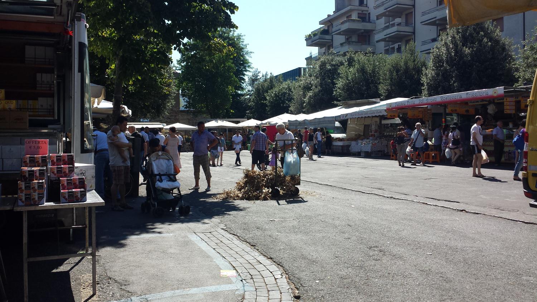Tutti al mercato for Mercato prato