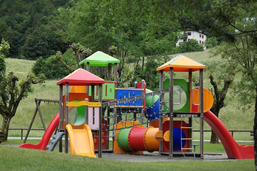 Prato: nei parchi cittadini giochi a misura di disabile. Il progetto