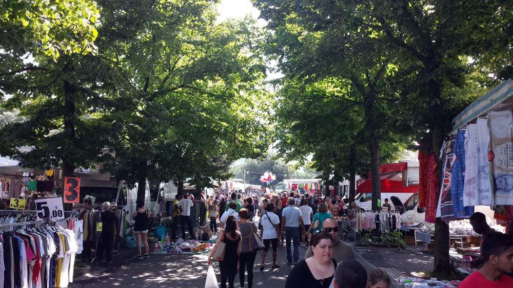 Tutti al mercato d 39 agosto for Mercato prato