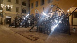 installazione_piazza_pesce_implosa