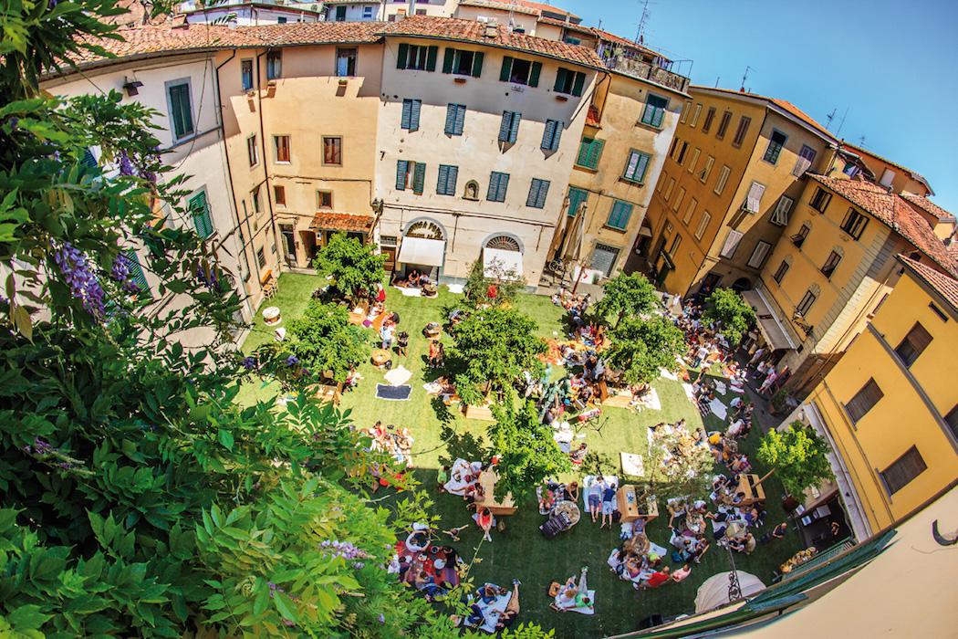 Pistoia: Piazza della Sala si trasforma ancora una volta in giardino  Pratos...