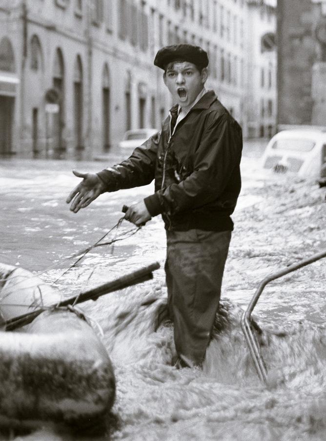 Balthazar Korab - Korab Image - Ragazzo in strada - 4 Novembre 1966