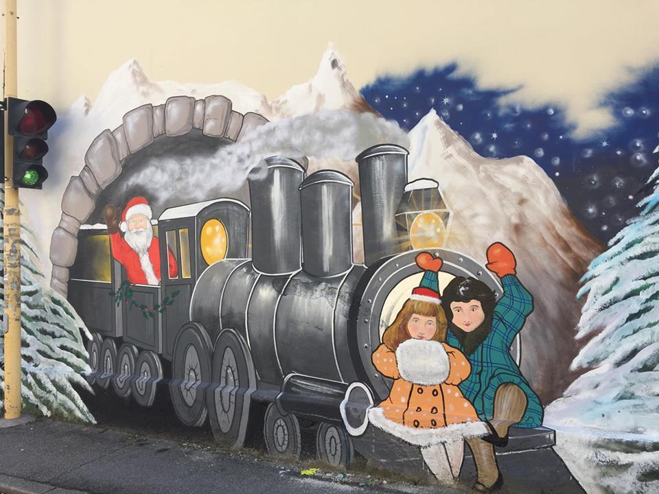 Prato un nuovo murales natalizio in via bologna pratosfera for Murales per cucina